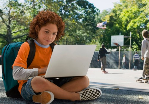 boy-studying-with-laptop